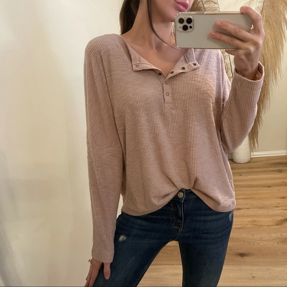 In The Clouds Brushed Henley   Pale Mauve